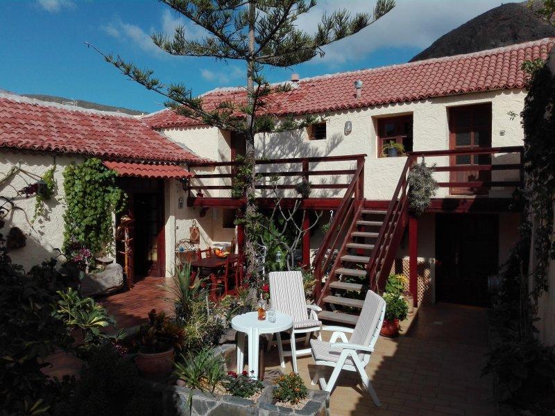 Finca Patio Canario - Tenerife Sur, Valle San Lorenzo, location de vacances à Buzanada