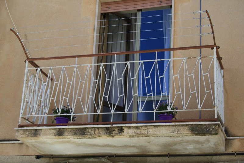 Your affordable gateway to a different Sicily, holiday rental in Salemi