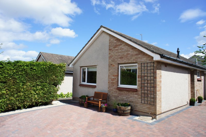 Beautifully presented pet friendly three bedroom house in St. Andrews
