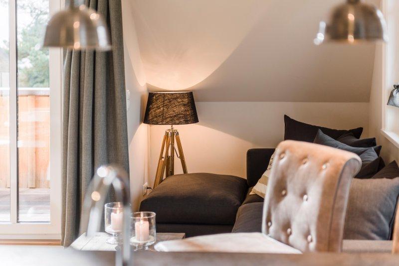 Kamphof - exklusive Maisonette mit Kamin und täglicher Reinigung /WG 8, holiday rental in Uckeritz
