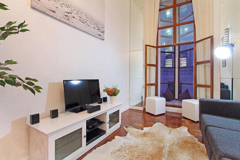 Ein Ein-Zimmer-Apartment mit offenem Schnitt im kulturellen Herzen von Kapstadt