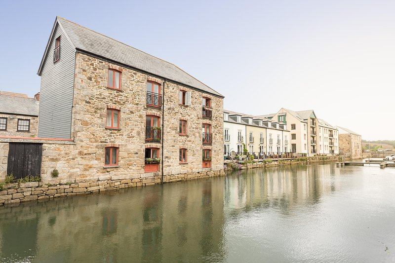 The Sail Loft - sleeps 6, dog friendly, holiday rental in Come to Good