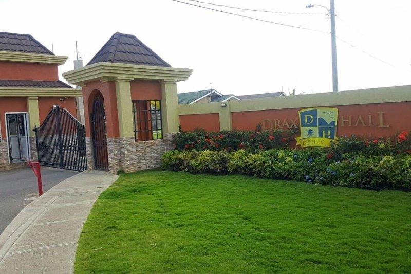 Drax Hall Country club 140 Sunshine Villa, location de vacances à Baie de Sainte-Anne