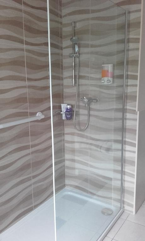 shower for superior double room