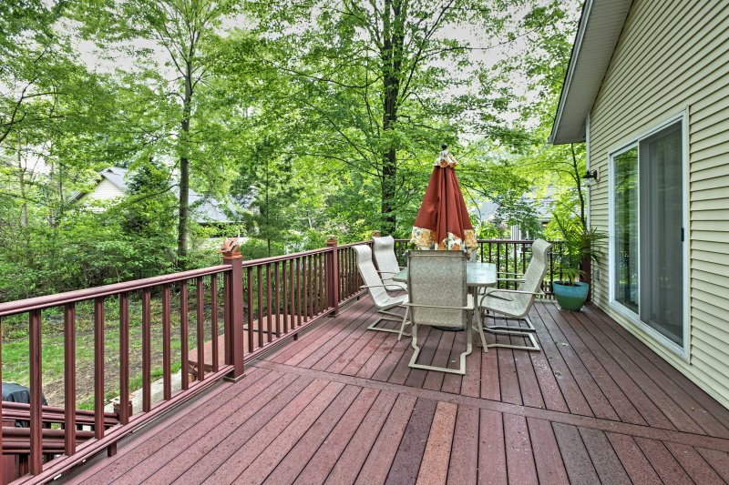 This home boasts over 1,000 square feet and accommodations for up to 14.