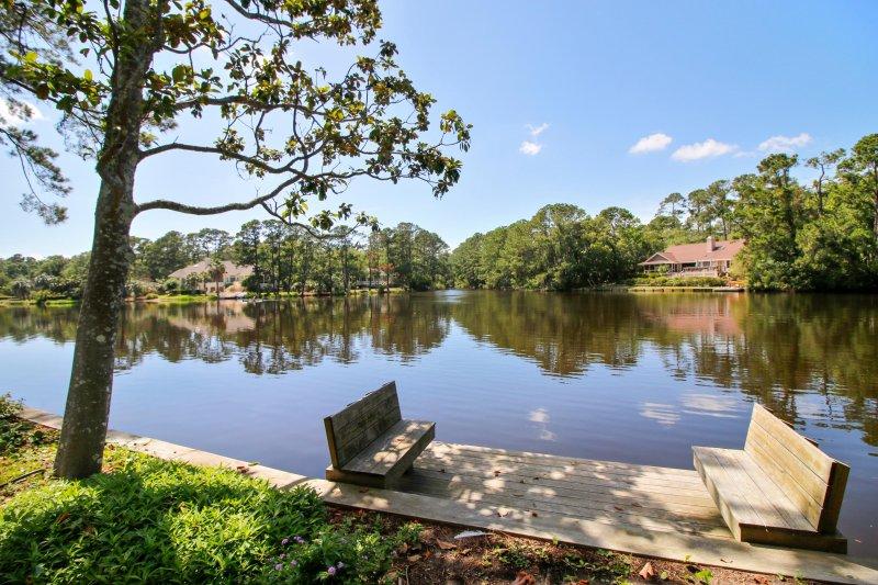 Dock e vista para a lagoa. Ótimo para caiaques lançamento ou para a pesca