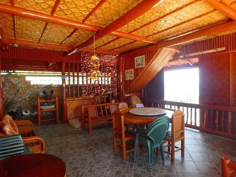 Bela Vista Beach - Ocean Front Home, alquiler vacacional en Negros Oriental