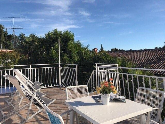 sunbathing roof terrace