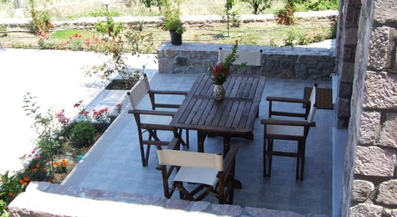 2 Bedroom Villa with Sea View D, Lesvos – semesterbostad i Cunda Island