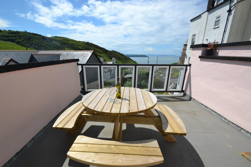 Old Bakery Cottage-Mortehoe village with seaviews!, Ferienwohnung in Woolacombe