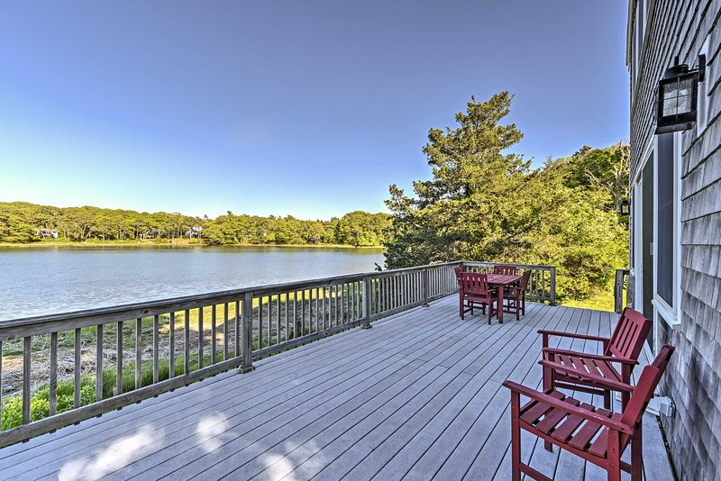 Bourne House w/ Furnished Deck & Waterfront Views!, location de vacances à Buzzards Bay