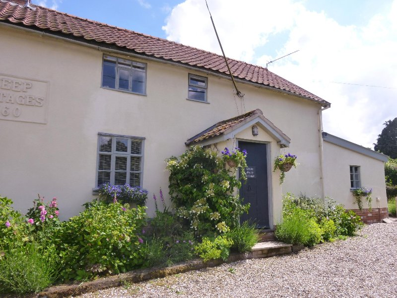 White Sheep Cottage, holiday rental in Heveningham