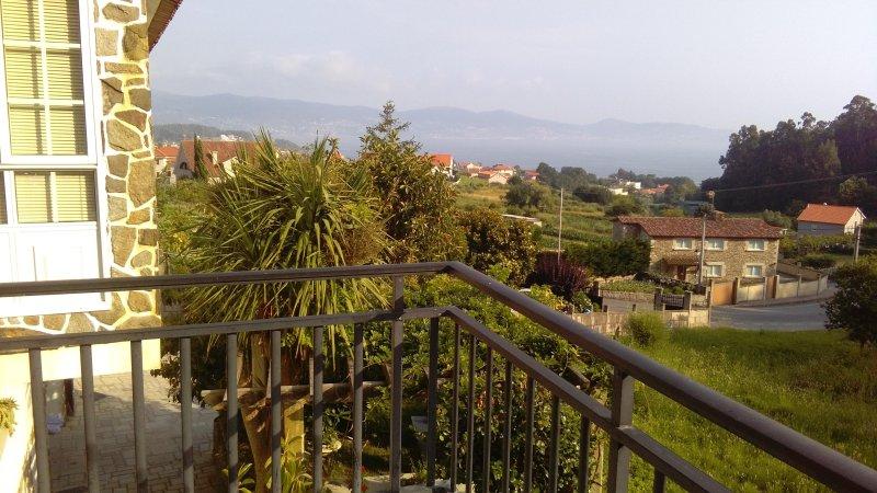 Vivienda amplia en Bordons, zona tranquila en las proximidades de Sanxenxo, vacation rental in Sanxenxo