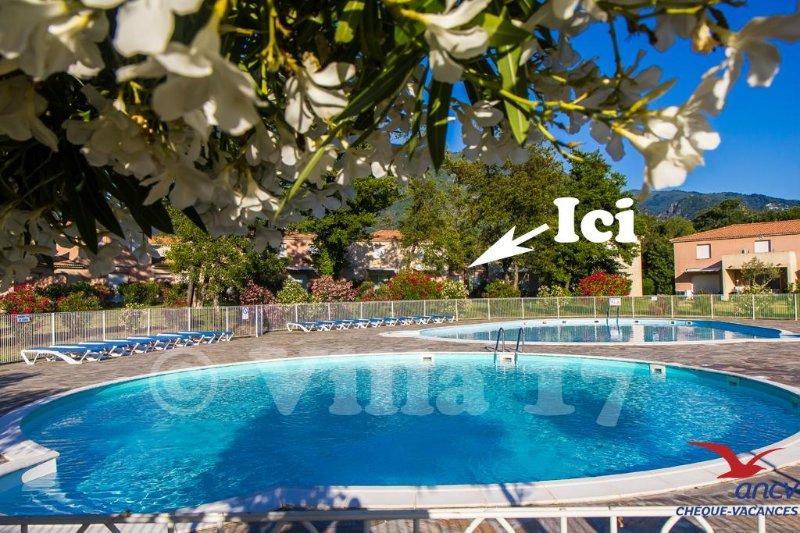 Charmante villa classée climatisée 2 piscines et plages à 500 m, holiday rental in San Giuliano