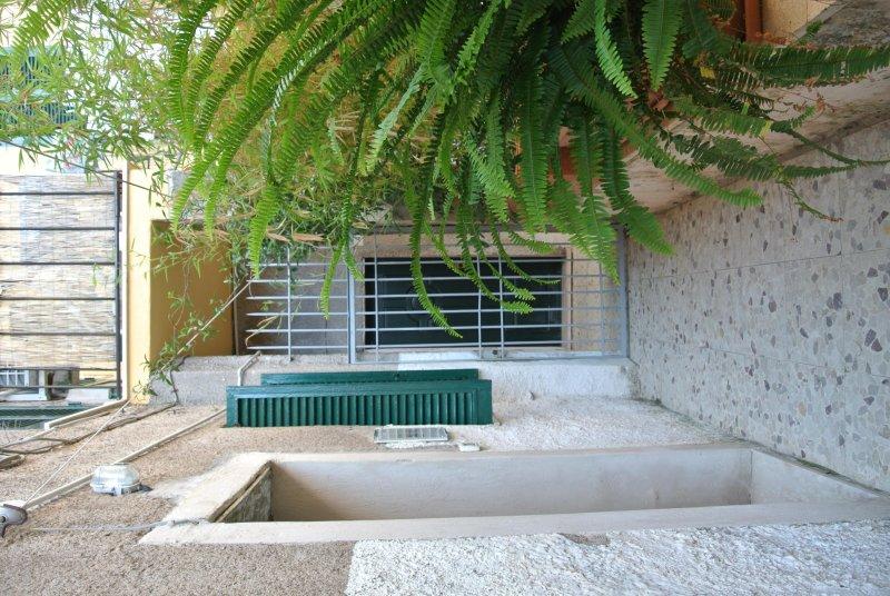la terraza que da acceso a Domuscula