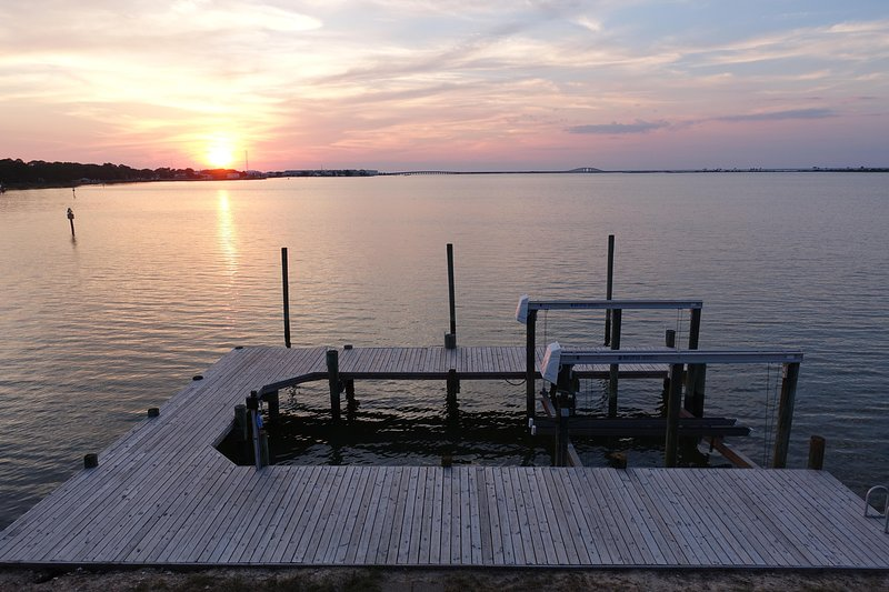 Adorable Cottage with dock and boat lift!  Spectacular Sunsets!!!