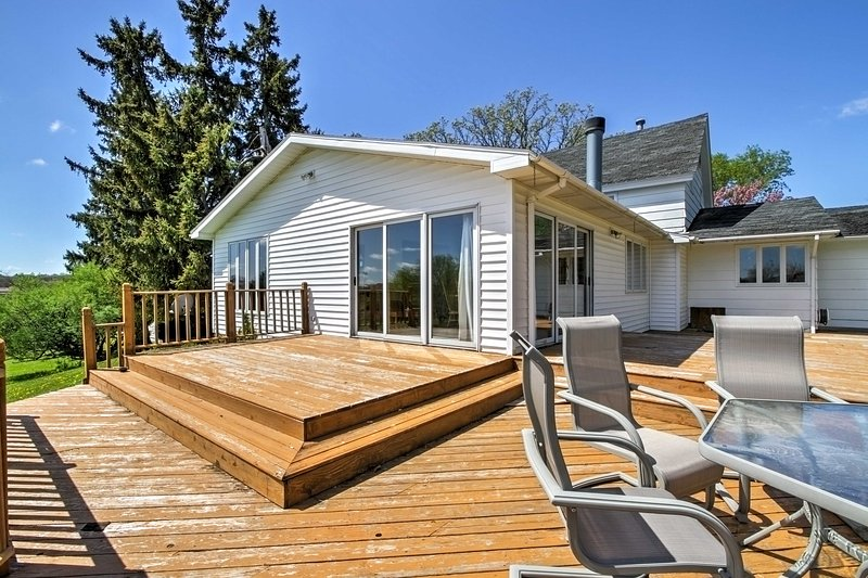 For the ultimate Wisconsin getaway, book this homey vacation rental house!