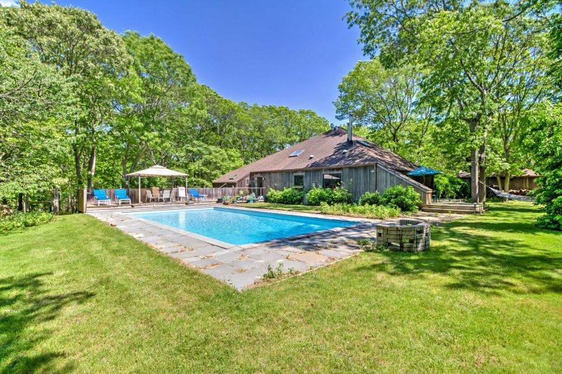 A memorable getaway awaits you at this spacious 1-bathroom vacation rental apartment which sleeps 4 in East Hampton.