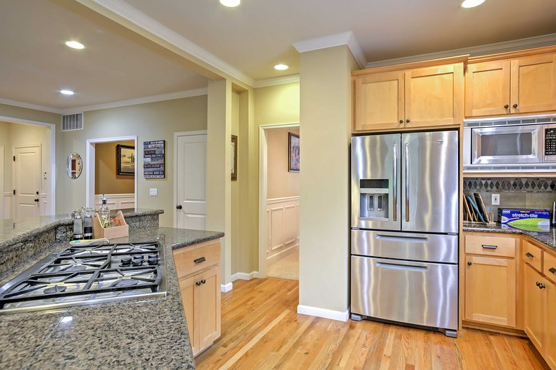 The chef in your group can look forward to practicing his or her craft in this fully equipped kitchen.