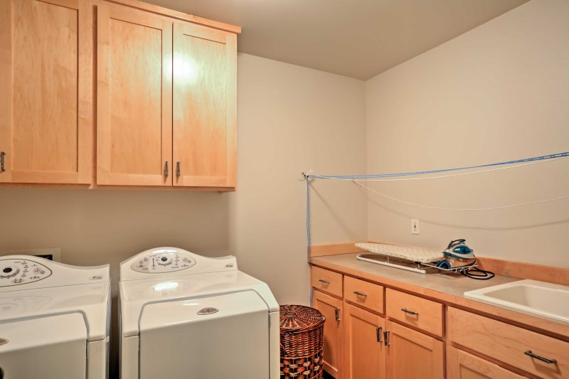 Keep your clothes fresh for tomorrow's activity by utilizing the in-unit laundry machines.