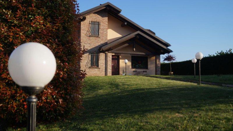 Villa Pescetto, vacation rental in Carignano