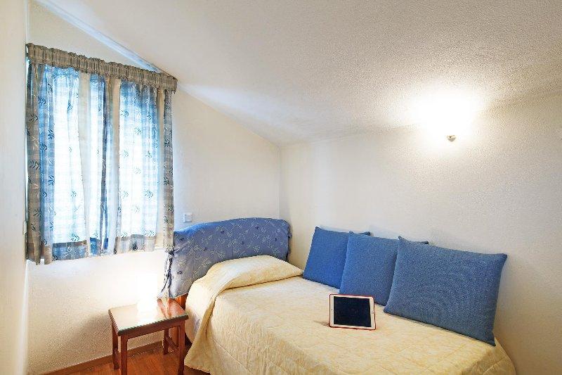 Single bed mezzanine