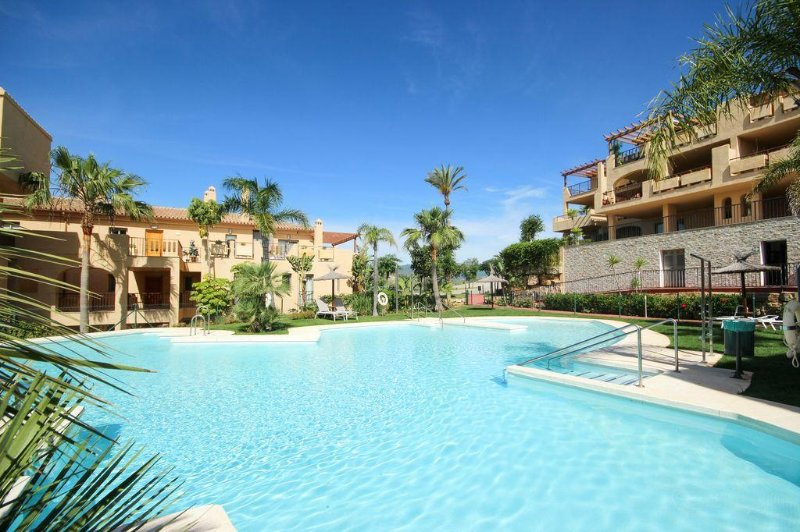 1108 - 2 bed penthouse, Hacienda del Señorio de Cifuentes, Paraiso, Benahavis, location de vacances à Benahavis