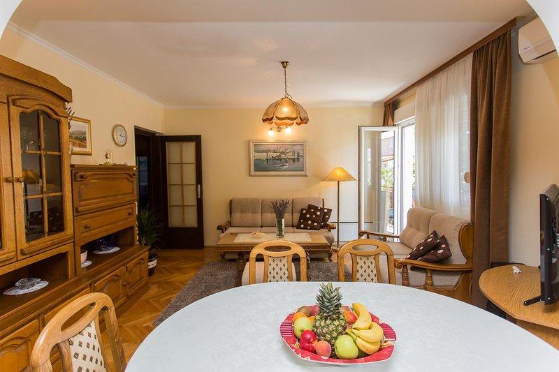 Apartment Victoria Kastel Stari, alquiler de vacaciones en Kastel Stari