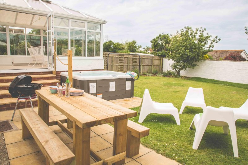White Water Holiday House Hot Tub Pet Friendly Near