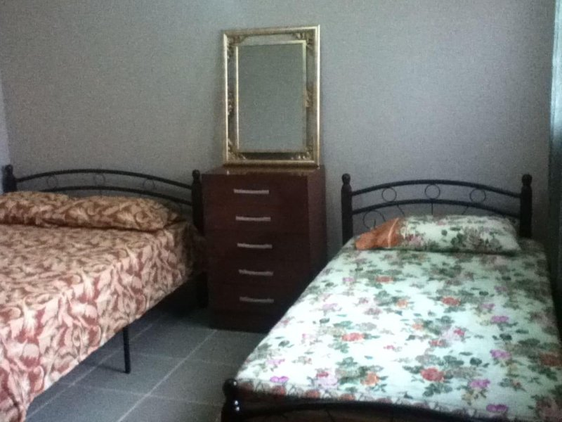 MEG GUEST HOUSE - Room 3, holiday rental in Gamboa