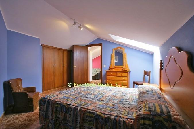 Habitacion con cama de matrimonio