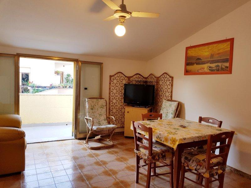 Appartamento I Girasoli, casa vacanza a Santa Domenica Talao