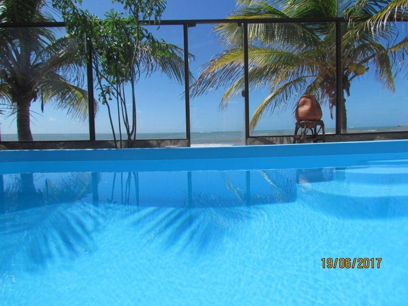 vue mer depuis votre piscine