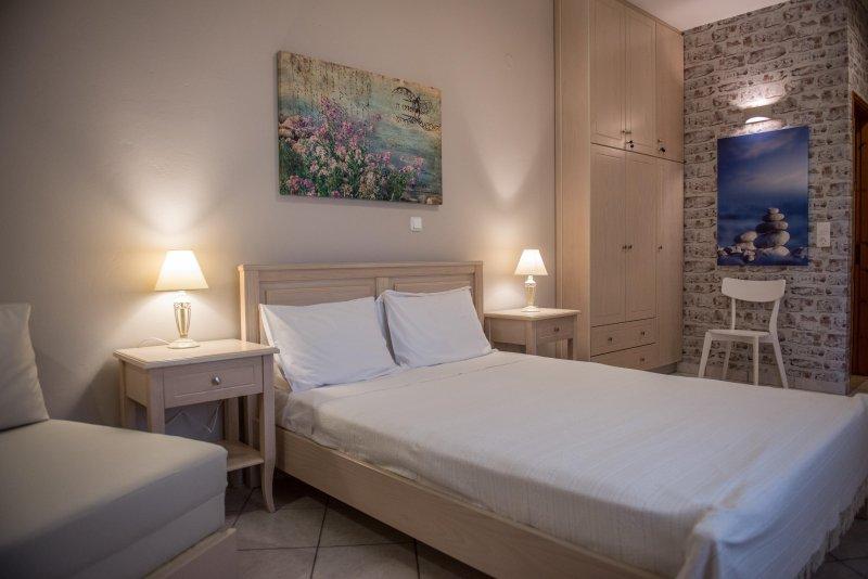 Aloni Studios & Apartments, vacation rental in Lefkada
