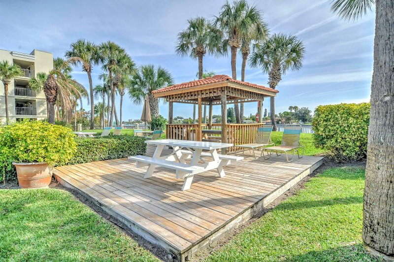 Dine al fresco at this lovely picnic area.
