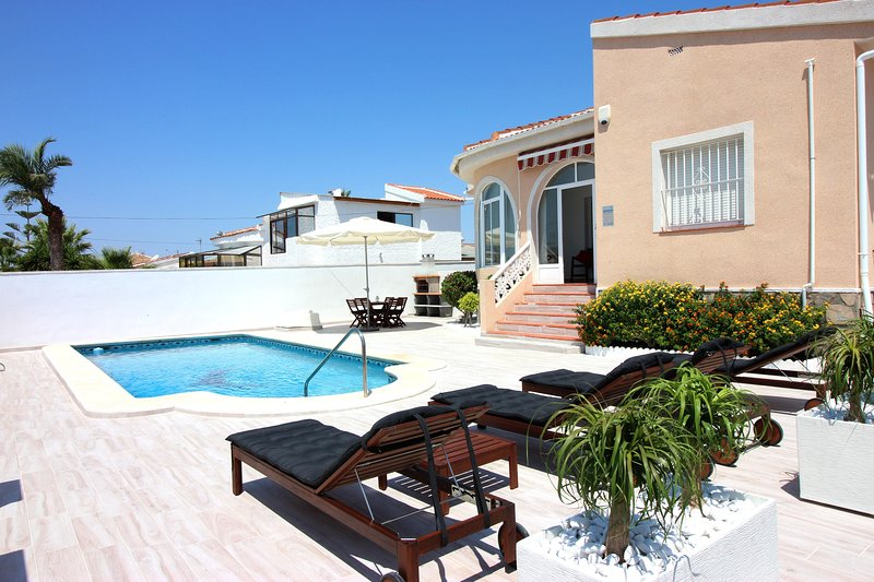 Villa Private Pool - Casa Bruno, holiday rental in Algorfa