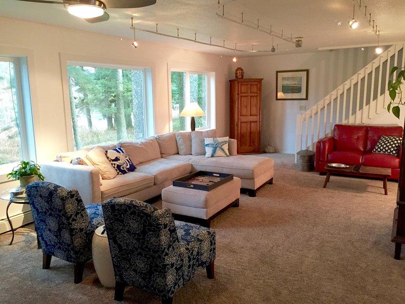Grande spazio per gli ospiti si affaccia alla foresta che circonda il Goldilocks B & B.