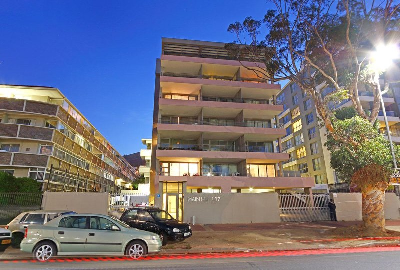 Mainhill apartment entrance