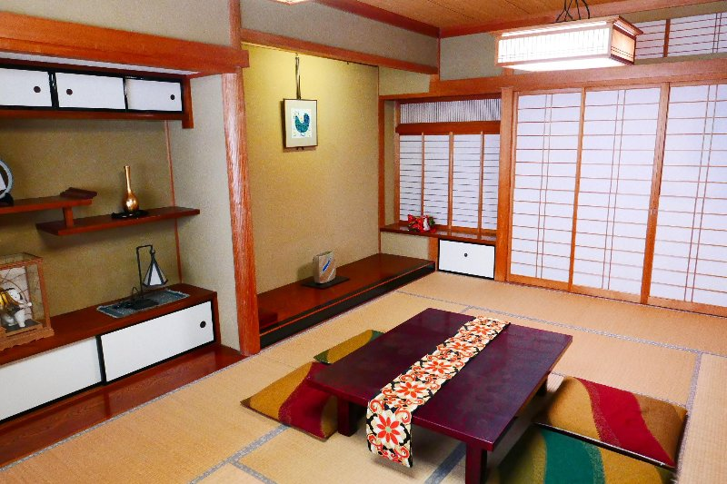 Japanese style suite room with mini kitchen / Jacuzzi / 2 bed rooms – semesterbostad i Kanazawa