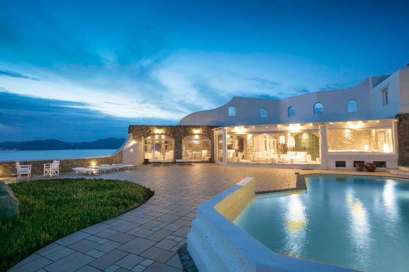 BlueVillas   Villa Sunset   Unwind privacy with private pool, bar & jacuzzi, holiday rental in Choulakia