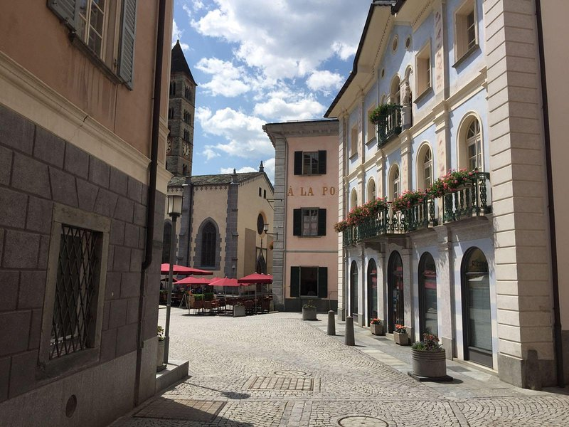 The apartment is located very close to Piazza