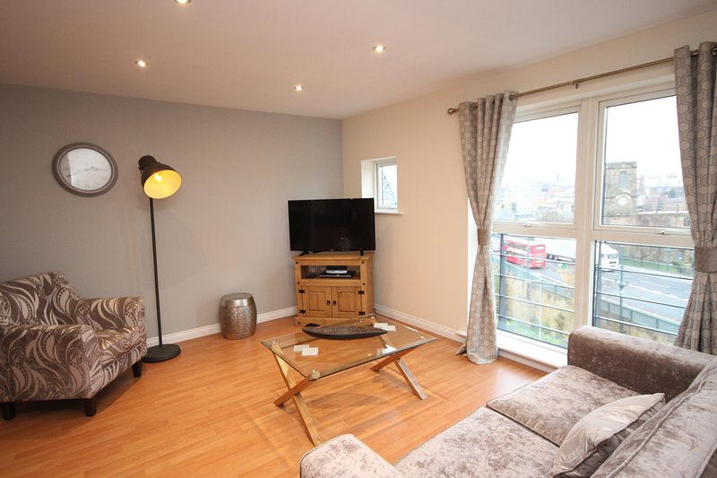 Properties Unique - Curzon Place Apartments (2 Bed), vacation rental in Newcastle upon Tyne