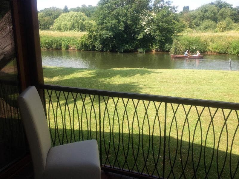 Relax whilst enjoying our river views and peaceful surroundings.