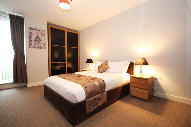 Properties Unique - Columbo Square Apartments (1 Bed), holiday rental in Gateshead