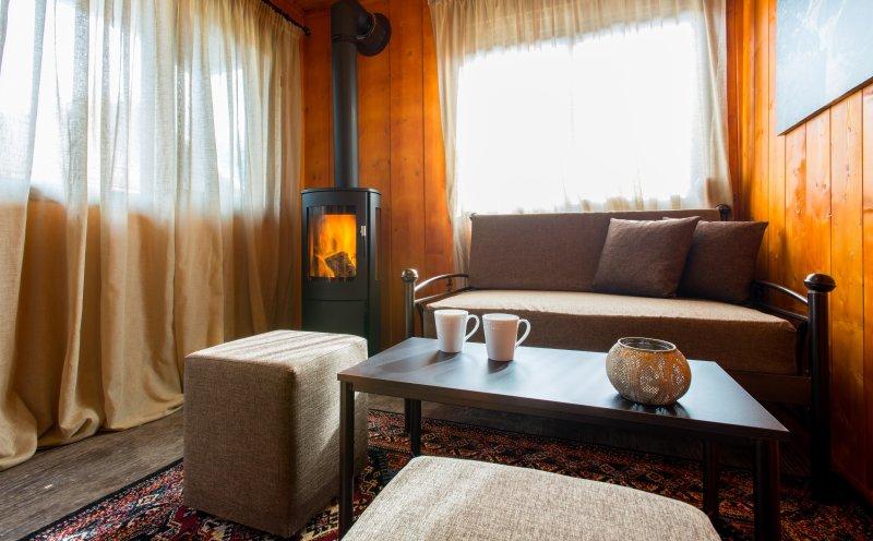 Family Mountain Bungalow C, Konitsa, holiday rental in Aristi