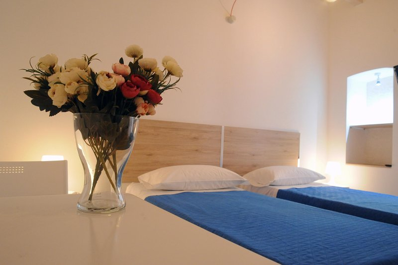 guest house arco della neve apartments, holiday rental in Bari
