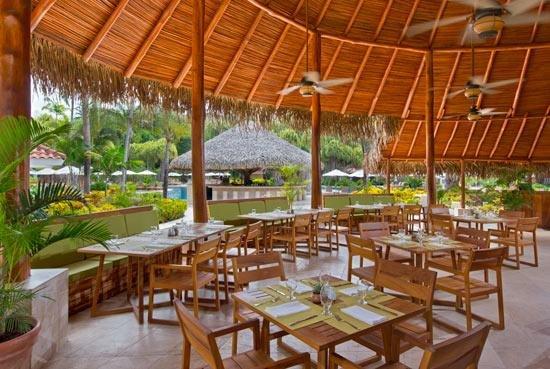 restaurante de la piscina