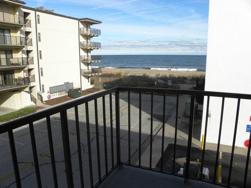 Tão perto da praia! você pode ouvir as ondas quebrando?