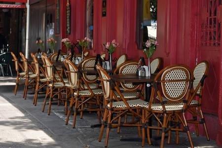 Muchos restaurantes, cafeterías y bares con encanto, a la vuelta de la esquina. ¡DISFRUTAR!