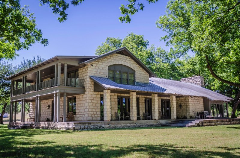 Stupendous Clear Creek Ranch With Private Lake Has Central Heating And Home Remodeling Inspirations Cosmcuboardxyz